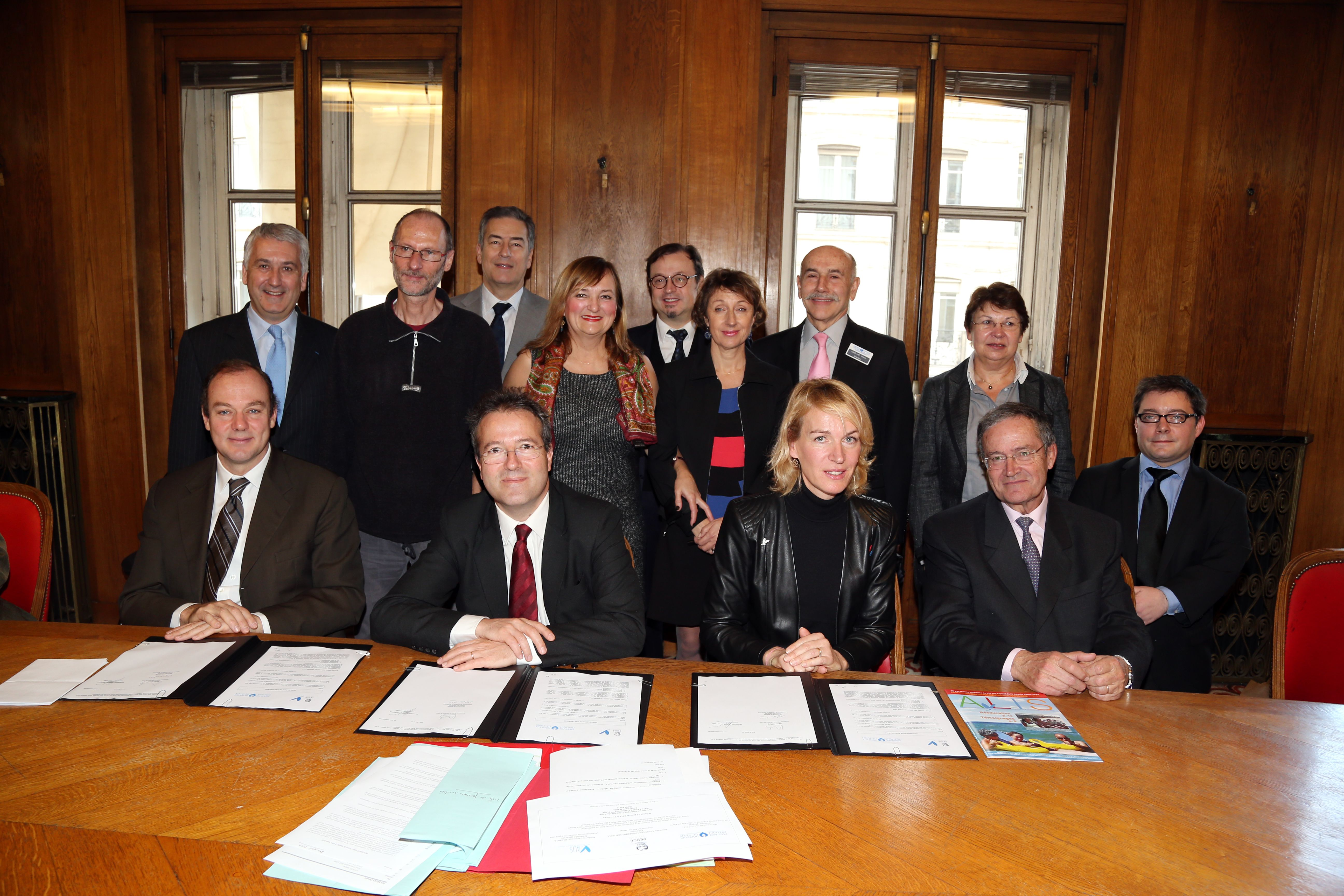 Signature de la convention en Janvier 2014